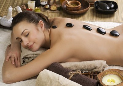 Hot Stone Massage – Luxurious